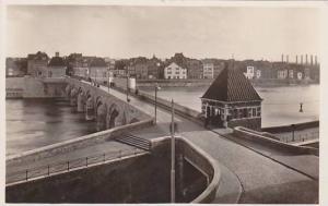 RP; Maastricht, Oude Maasbrug, Limburg, Netherlands, 10-20s