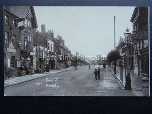 Berkshire WOKINGHAM Broad Street shows TEA ROOMS & HAIRDRESSER c1905 RP Postcard