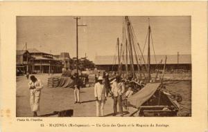 CPA MAJUNGA Un coin des Quais et le Magasin du Batelage MADAGASCAR (709629)