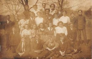 Family reunion? picture of 27 children outdoor setting real photo pc Z16135