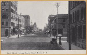 Grand Forks, North Dakota, Third Street, Looking South, Hoosier drug, 1st Nat