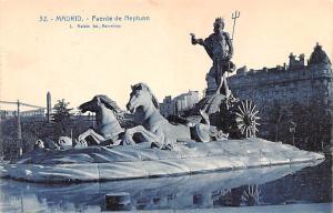 Spain Old Vintage Antique Post Card Fuente de Neptuno Madrid Unused
