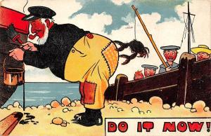Do It Now! Comic Artist~Old Sea Salt Paints Boat~Sailors Dangle Crab~1909 PC