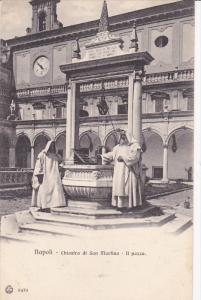 NAPLES , Italy , 00-10s ; Chiostro di San Martino - Il Pozzo