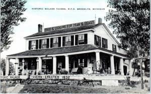 BROOKLYN, MI   Historic WALKER TAVERN  Hewitt ANTIQUES c1930s Roadside  Postcard