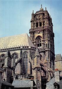 France Rodez (Aveyron) La cathedrale Notre Dame et sa tour Dom