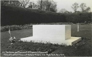 Vintage Postcard, The Grave And Monument of Franklin D. Roosevelt