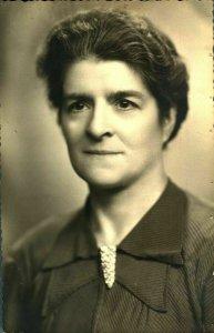 Antique RPPC postcard real photograph portrait of a lady elegant European