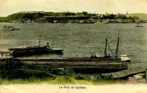 Canada - QC, Quebec City. The Port   (crease)