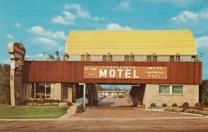 NIAGARA FALLS , Ontario , Canada , 1950-60s ; Ambassador Motel
