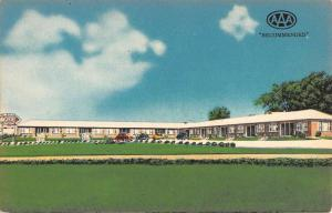Chillicothe Missouri Shamrock Motel Street View Antique Postcard K53206