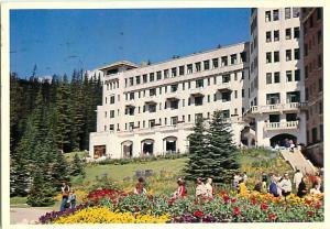 Chateau Hotel Lake Louise Gardens Banff National Park Laggan   Postcard  # 7459