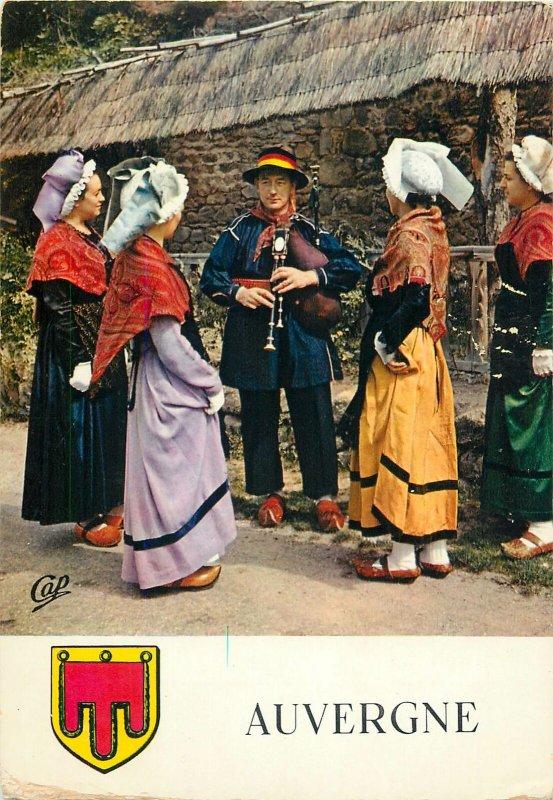 Ethnic Postcard Folklore de France costume trafitionell la Basse Auvergne