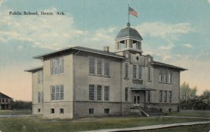 HOXIE , Arkansas, 00-10s ; Public School