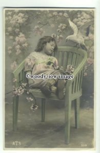 su2539 - Beautiful Young Girl Asleep under a Flowering Tree - postcard