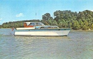 Gilbertsville KY Mari-Dave 43' Roamer Cruiser Postcard