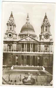 London, St. Paul's Cathedral, unused real photo Postcard