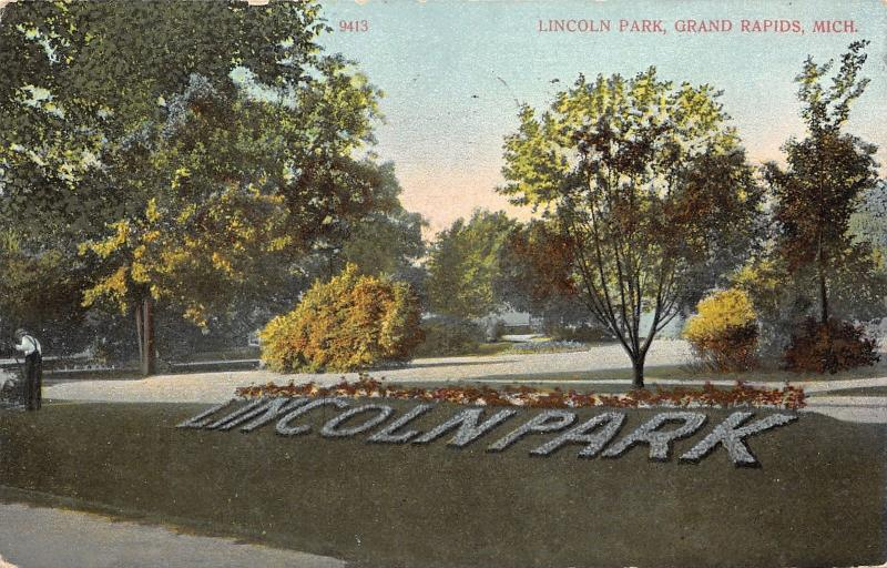 Grand Rapids Michigan~Lincoln Park~Man @ Work Gardening~1909 Postcard