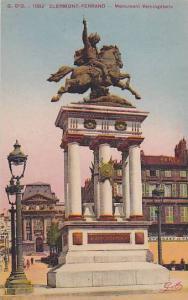 CLERMONT-FERRAND, Monument Vercingetorie, Auvergne, France, PU-1957