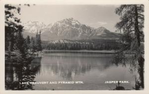 RP: JASPER PARK , Alberta , Canada , 1930-40s ; Lake Reauvert