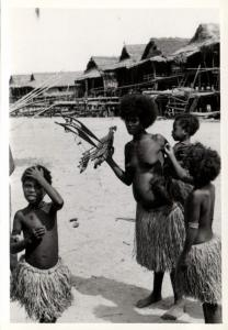 Papua New Guinea, Real Photo Native Papuas, Native Girl Toy Boat (1930s) RP (26)