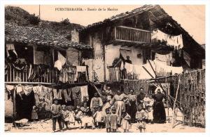 19090  Fuenterrabia  Barrio de la Marina , 3 generations of a family