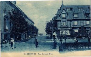 CPA DEAUVILLE - Rue Gontaud-Biron (272103)