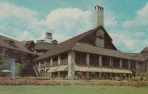 Seigniory Club , Quebec , Canada , 1950-60s ; River Terrace , log Chateau
