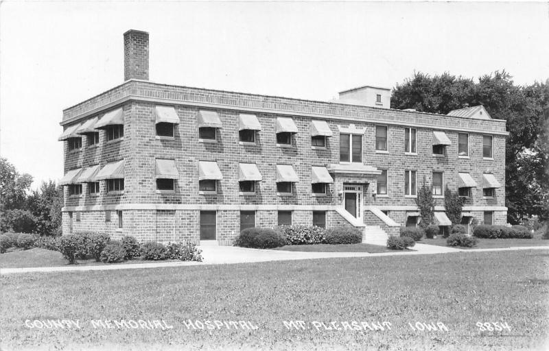 F24/ Mt Pleasant Iowa Real Photo RPPC Postcard c40s Memorial Hospital