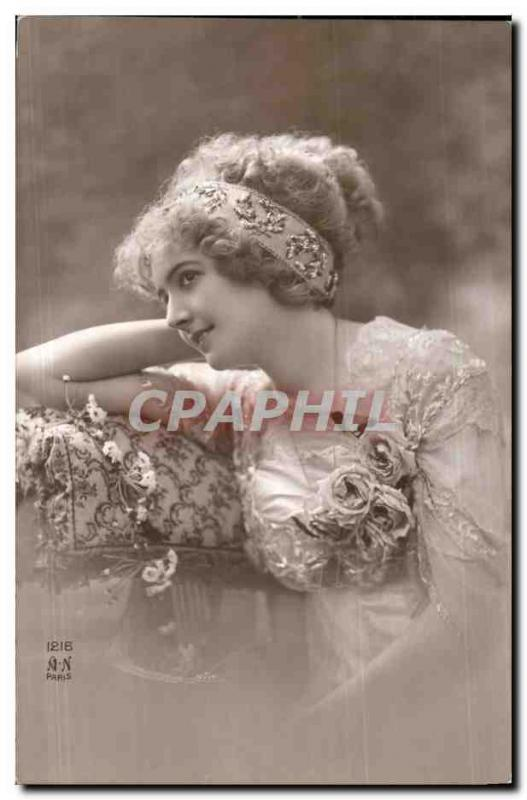 Fantaisie - Femme - Woman with serene smile (carte hongroise Hungary Hongrie) CP