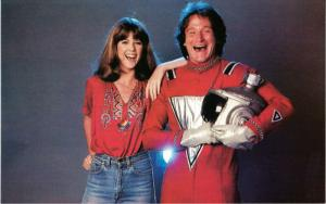 Robin Williams and Pam Dawber in Mork and Mindy Original 1980 Postcard