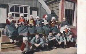 Netherlands Marken Children In Traditional Costume