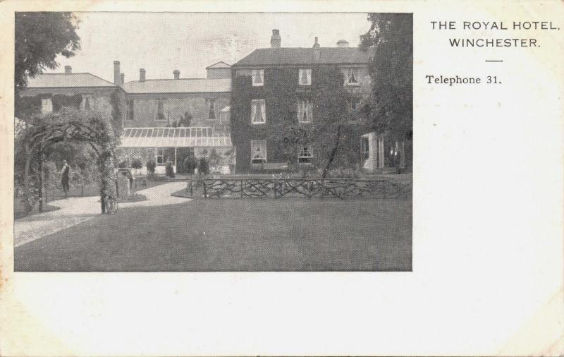 WINCHESTER HAMPSHIRE UK~ROYAL HOTEL POSTCARD