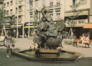 Luxembourg Puits Rouge Statue Roude Petz Postcard