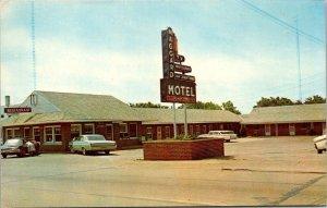 Vintage Postcard Maggard Motel Restaurant Richmond Kentucky old cars autos  1209