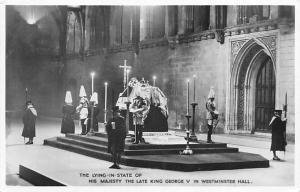 Post Card Old Vintage Antique King George V in Westminster Hall
