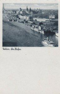 STETTIN , Poland , 20-30s ; Am Hafen