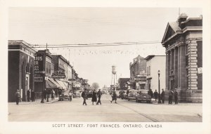RP: FORT FRANCES , Ontario , 30-40s ; Scott Street