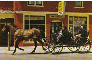 Canada Postcard - Mennonite Family - Kitchener - Ontario - Ref 1803A