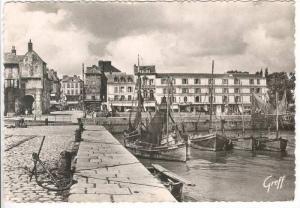 RP En Normandie HONFLEUR (Calvados), Le Port et l'Hotel du Cheval Blanc, Fran...