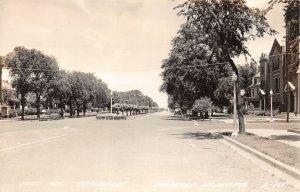 G32/ Holdrege Nebraska RPPC Postcard c1940s West Ave Esplanade Homes
