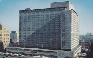 Exterior,  The New Queen Elizabeth Hotel,  Montreal,  Quebec,   Canada,  PU_1962