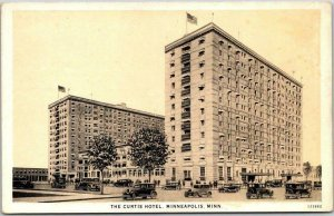 1930s Minneapolis, Minnesota Postcard THE CURTIS HOTEL Building / Street View