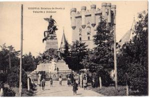 Segovia, Estatua de Daoiz y Verarde y Alcazar