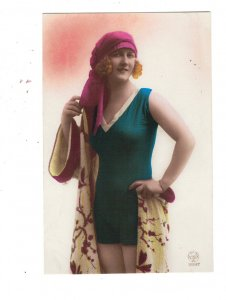 HI1089 ART DECO BATHING BEAUTY PURPLE HAT, BLUE SWIMSUIT AND KIMONO