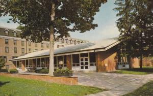 Dining Hall and Patio, Pennington School, PENNINGTON, New Jersey, 40-60's