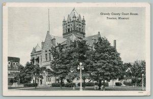 Trenton Missouri~Grundy County Court House~Globe Lights~c1920 Postcard