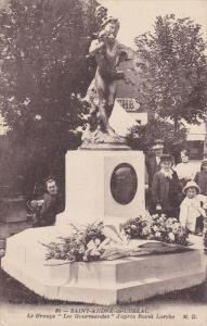 SAINT ANDRE DE CUBZAC, France, 1900-1910's; Le Groupe Les Gourmandes D'Apre...