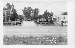 F56/ Hastings Nebraska RPPC Postcard c1940s Park Motor Court