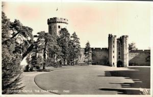 UK Warwick Castle The Courtyard Real photo 01.91